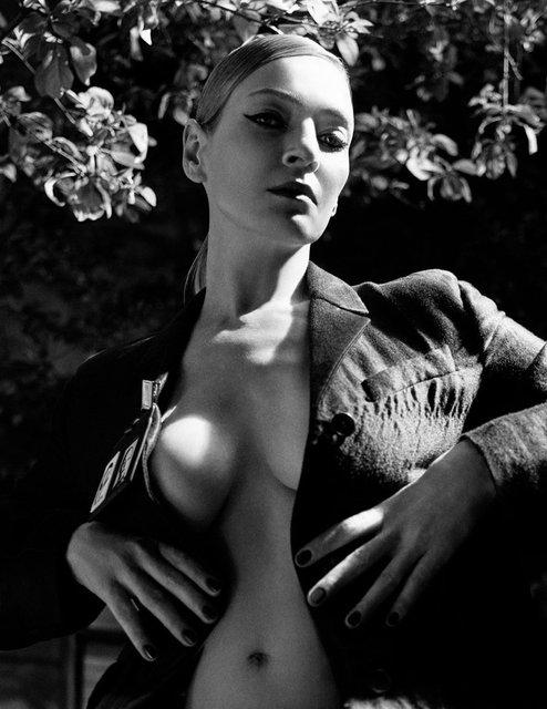 Ума Турман без белья снялась в смелой фотосессии - фото 149577