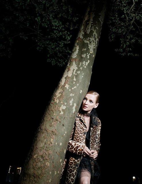 Ума Турман без белья снялась в смелой фотосессии - фото 149582