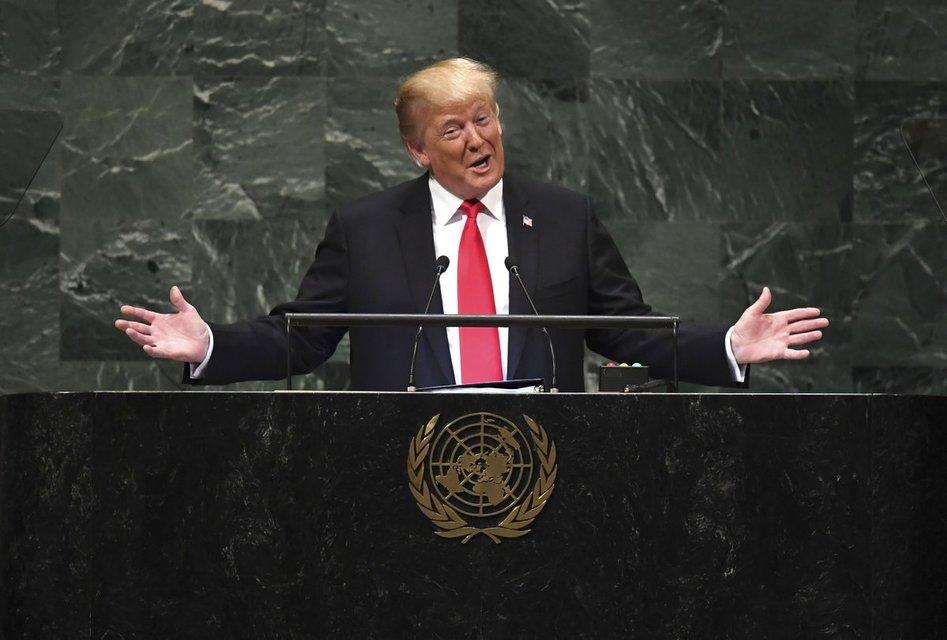 Театр у микрофона: Почему речь Трампа в ООН удивила мир, но не Америку - фото 150179
