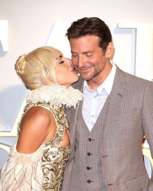 Леди Гага притворялась своим менеджером, чтобы организовывать себе концерты - фото 150458