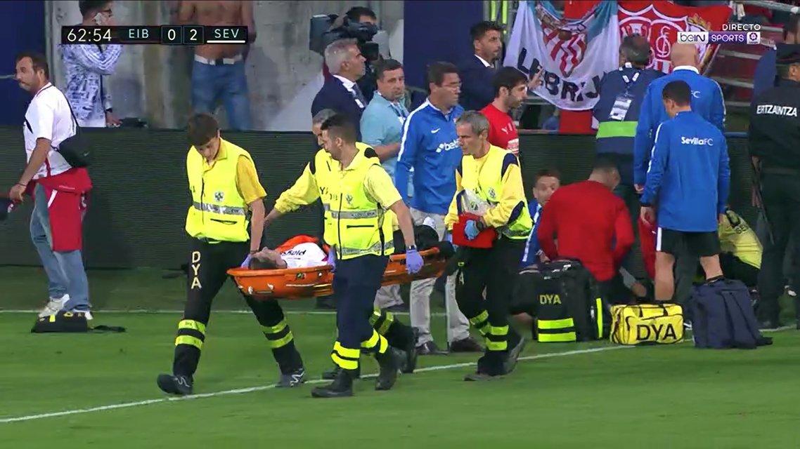 В Испании во время матча обрушилась трибуна: болельщики получили ранения - фото 150639