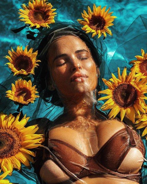 Даша Астафьева показала грудь на фото под водой - фото 150959