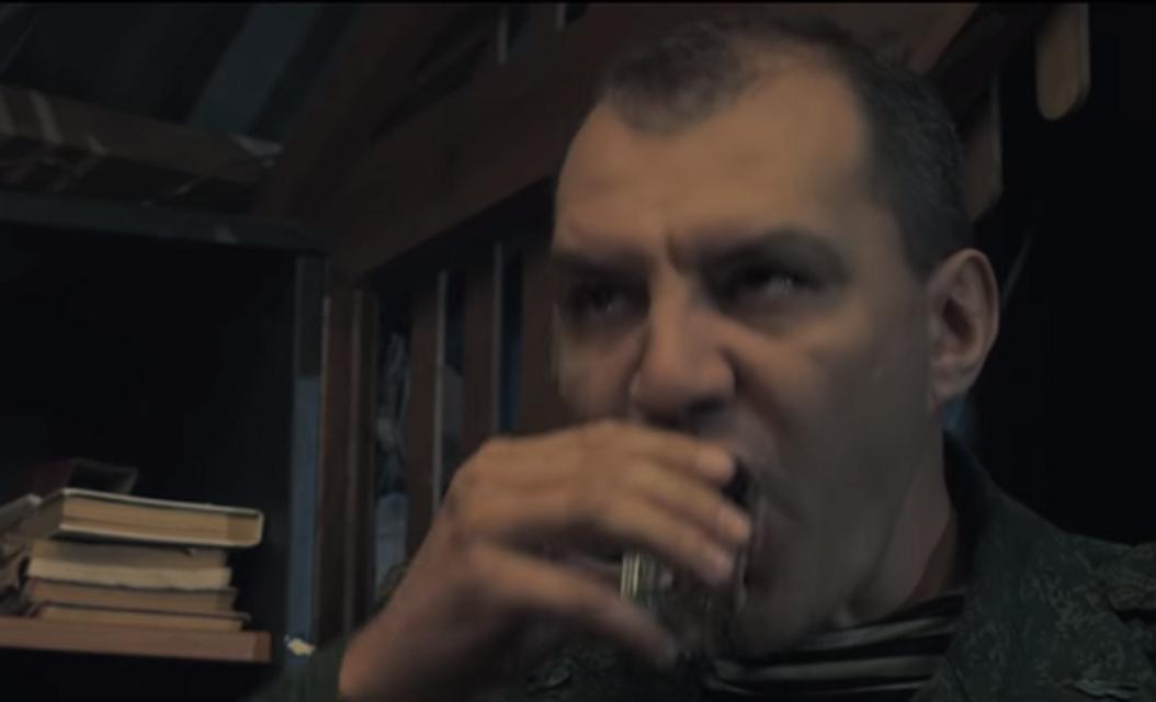 'Ополченочка': Почему российская пропаганда рассчитана на идиотов - фото 151455