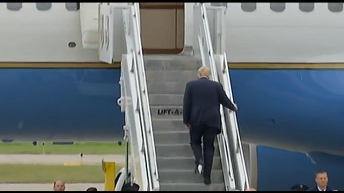 Трамп и туалетная бумага: видео с опозорившимся президентом США - фото 151762