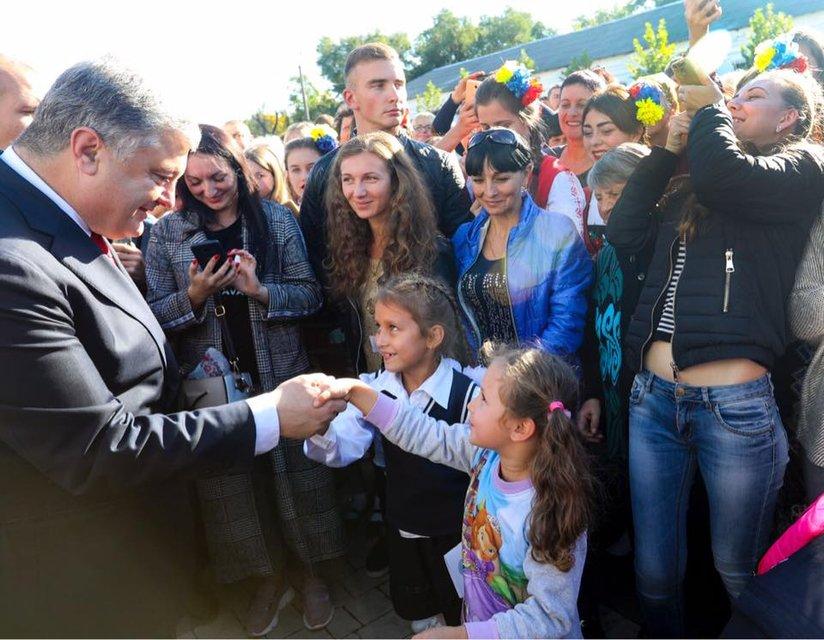 Рвало на родину: Как президент Порошенко вернулся в Болград - фото 152168