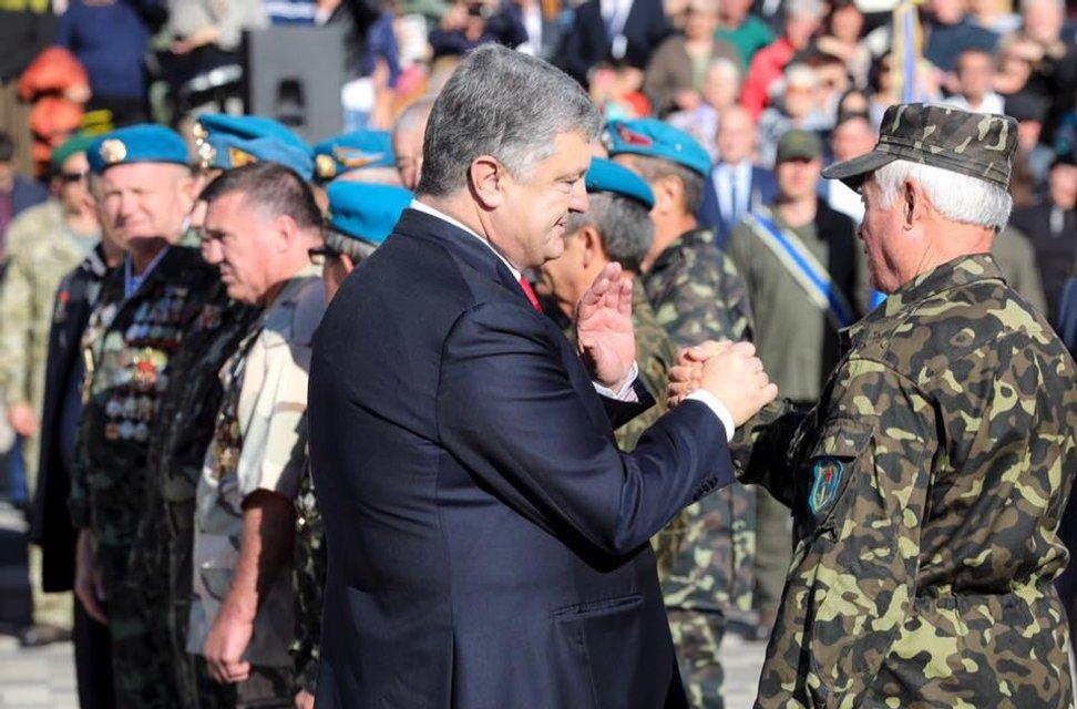 Рвало на родину: Как президент Порошенко вернулся в Болград - фото 152170