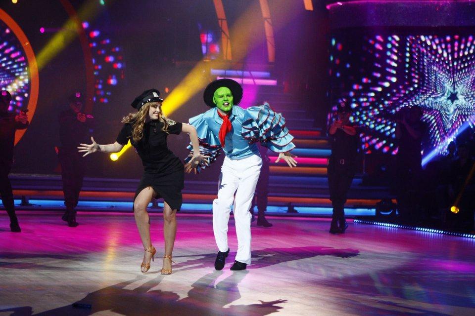 Танці з зірками 2018 7 выпуск: вечер легенд Павел Вишняков и  Юля Сахневич - фото 152317