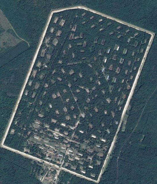 Общая тревога и закрытое небо: из-за взрывов в Ичне эвакуировали 10 тысяч человек - фото 152362