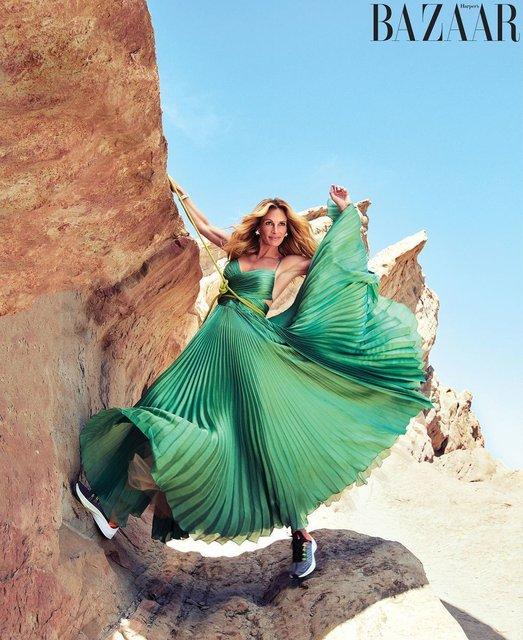 Джулия Робертс забралась на скалу ради новой фотосессии - фото 153081