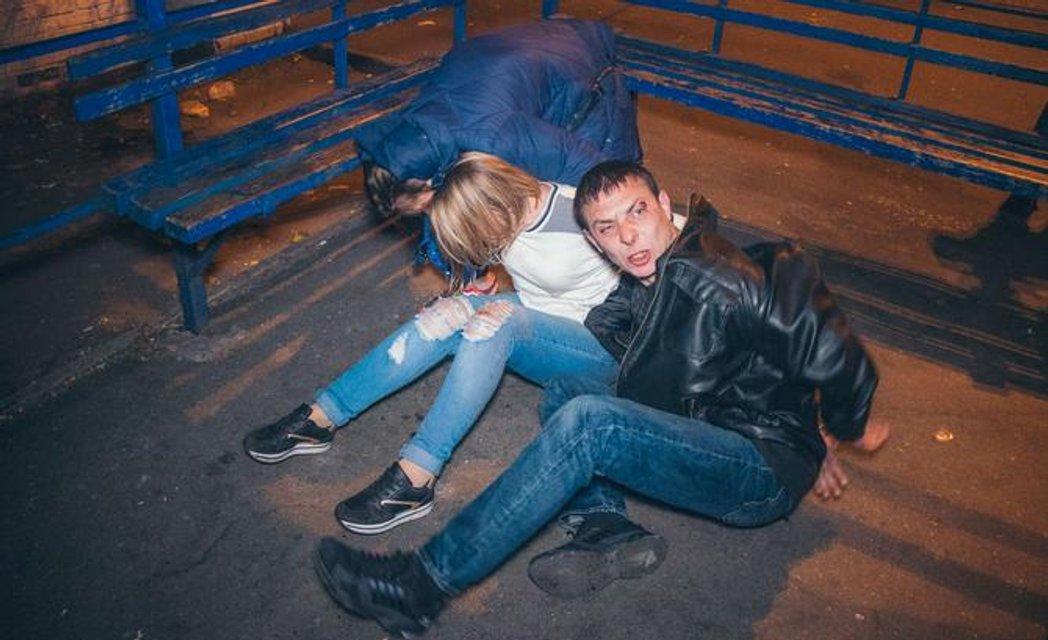 Пьяные грабители устроили побоище с полицейскими (ФОТО+ВИДЕО) - фото 153245