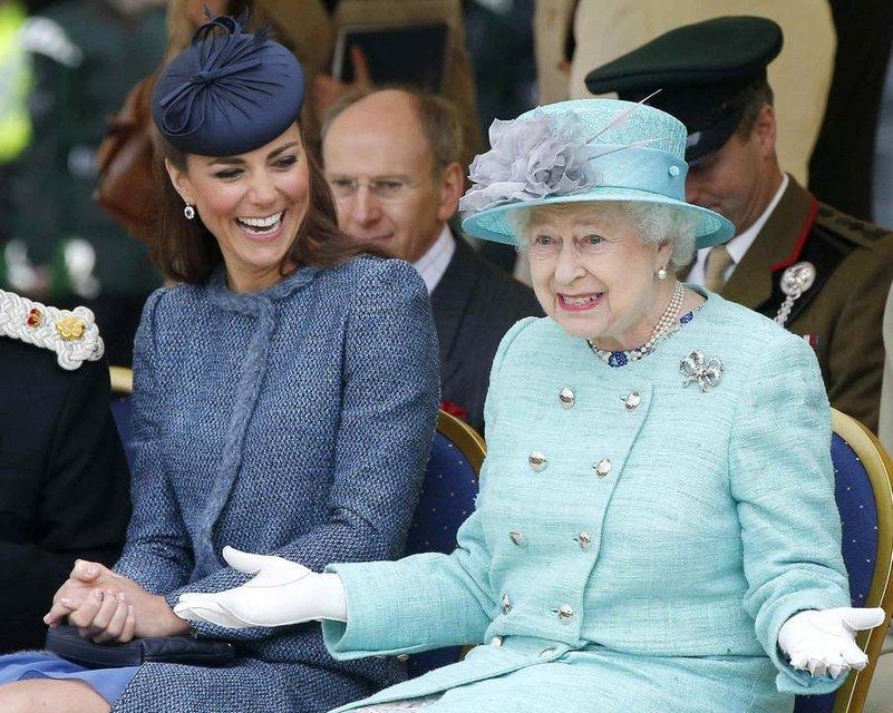 Как в королевской семье отреагировали на новость о беременности Меган Маркл - фото 153333