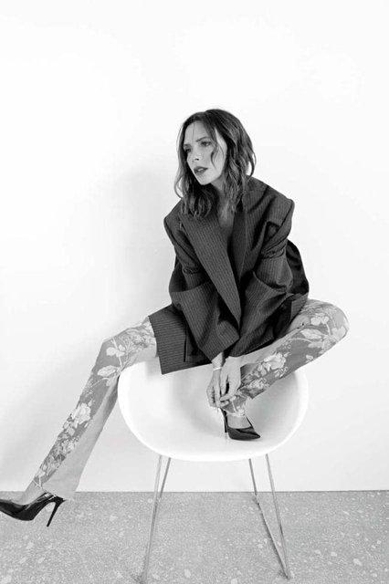 Виктория Бекхэм в странном наряде снялась для модного глянца - фото 153344