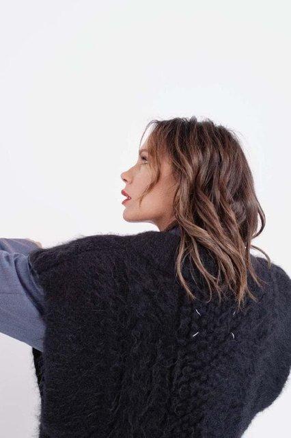 Виктория Бекхэм в странном наряде снялась для модного глянца - фото 153350
