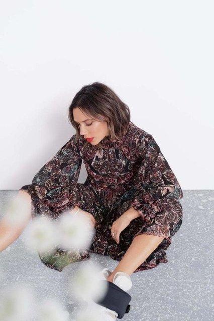Виктория Бекхэм в странном наряде снялась для модного глянца - фото 153354