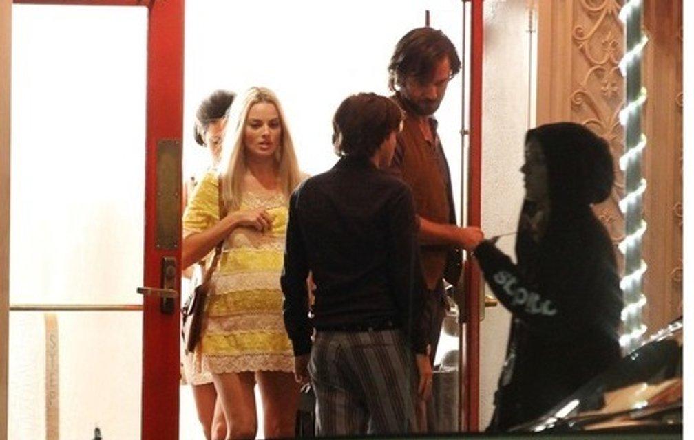 Однажды в Голливуде: Марго Робби в образе беременной Шэрон Тейт на новых фото - фото 153559