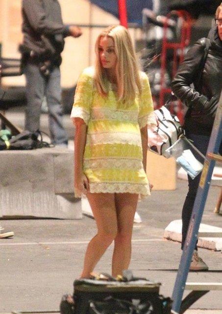 Однажды в Голливуде: Марго Робби в образе беременной Шэрон Тейт на новых фото - фото 153561