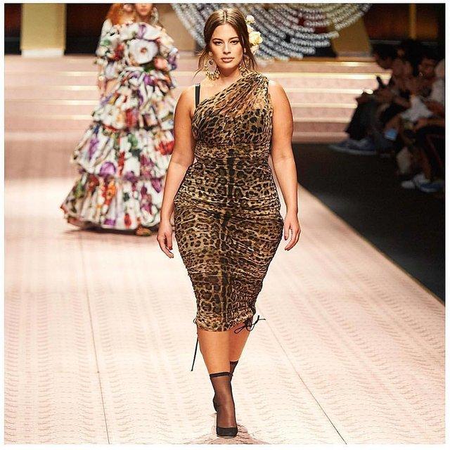 Известную plus-size модель обвинили в похудении - фото 153569