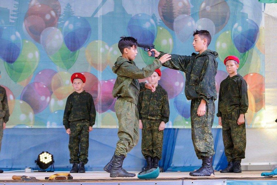 Не Колумбайн, а міні-Беслан: Навіщо окупантам з РФ був потрібен теракт у Керчі - фото 153824