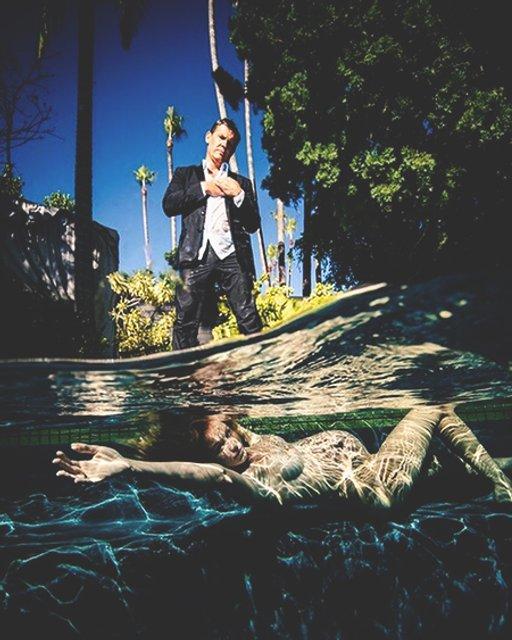Обнаженная под водой: звезда 'Дэдпула' устроил беременной жене яркую фотосессию - фото 154615