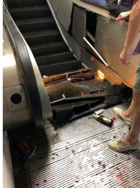 Российские фанаты обвалили эскалатор в метро Рима, десятки пострадавших (ВИДЕО) - фото 154831