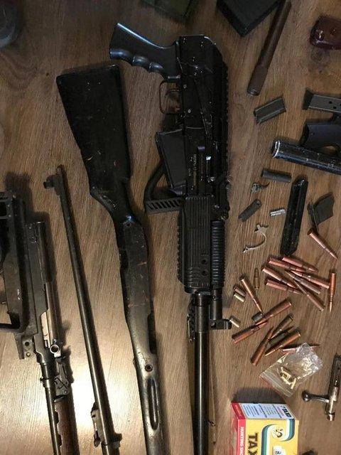 Бойцы-добровольцы устроили масштабный бизнес по торговле оружием - фото 155123