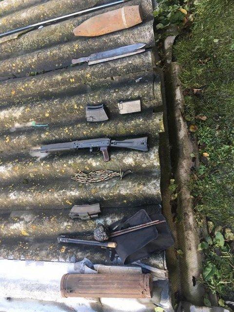 Бойцы-добровольцы устроили масштабный бизнес по торговле оружием - фото 155124
