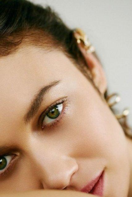Голливудская звезда из Украины украсила обложку модного глянца - фото 155333