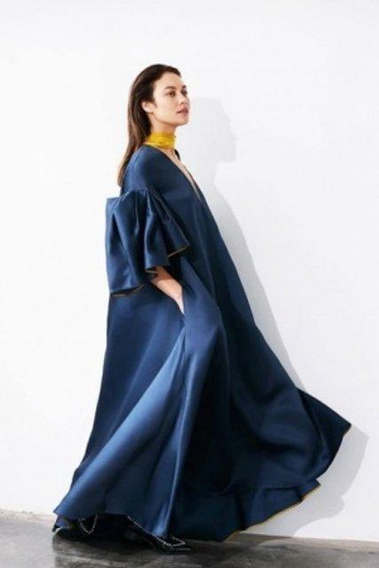 Голливудская звезда из Украины украсила обложку модного глянца - фото 155334