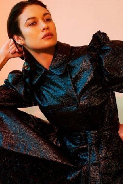 Голливудская звезда из Украины украсила обложку модного глянца - фото 155335