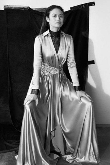 Голливудская звезда из Украины украсила обложку модного глянца - фото 155338
