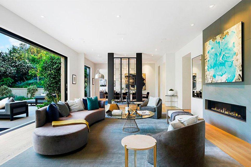 Кайли Дженнер с бойфрендом купила особняк за 13 млн долларов - фото 155511