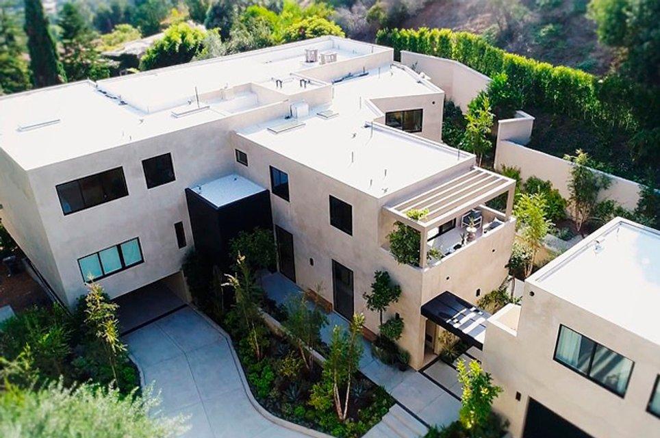 Кайли Дженнер с бойфрендом купила особняк за 13 млн долларов - фото 155512