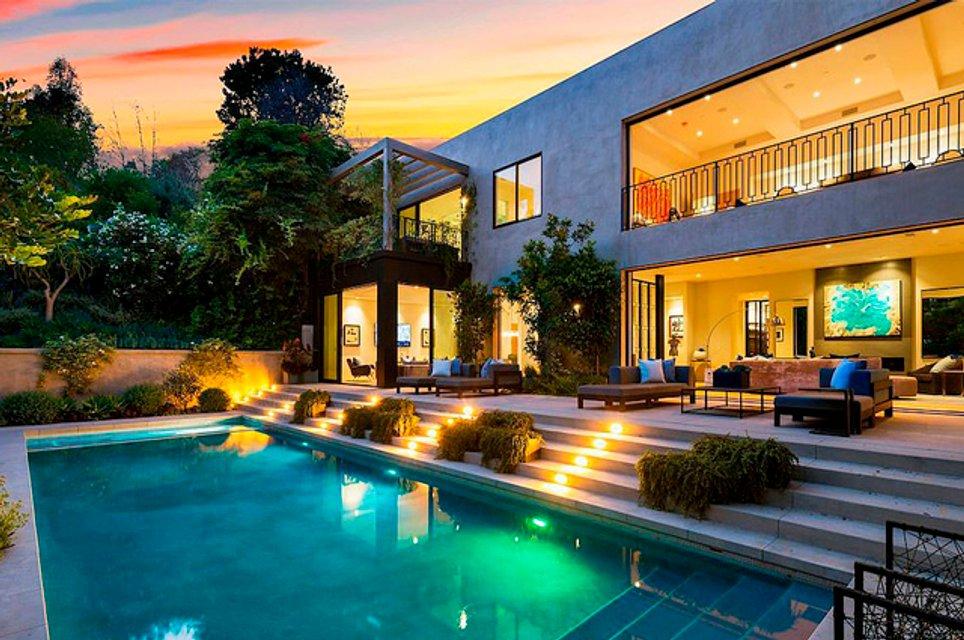 Кайли Дженнер с бойфрендом купила особняк за 13 млн долларов - фото 155513