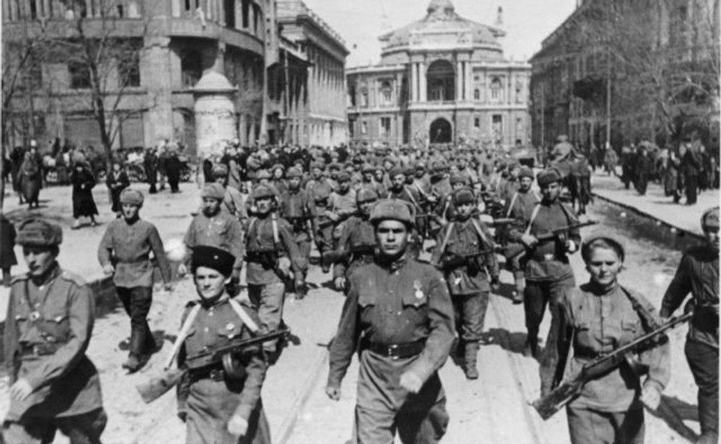 Путаница от пропаганды: Почему изгнание нацистов из Украины не было деоккупацией - фото 155695