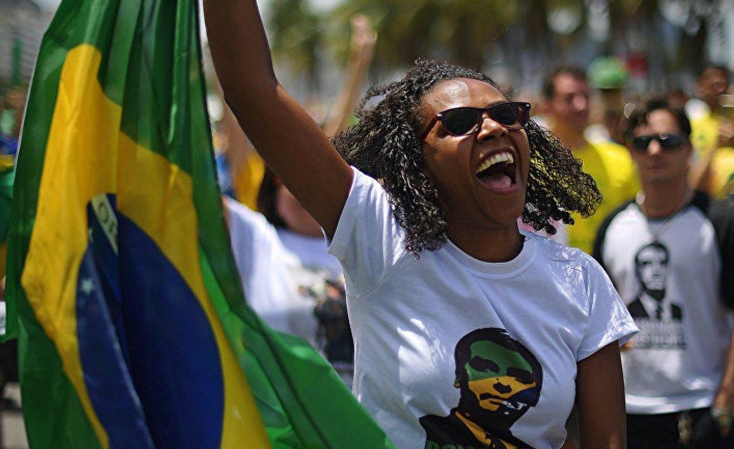 Трамп в квадрате: Женоненавистник и расист стал президентом Бразилии - фото 155815