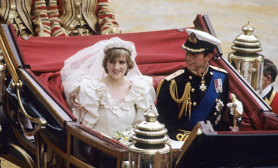 Принц Чарльз рассказал о депрессии принца Гарри, изменах и нежелании жениться на Диане - фото 155844
