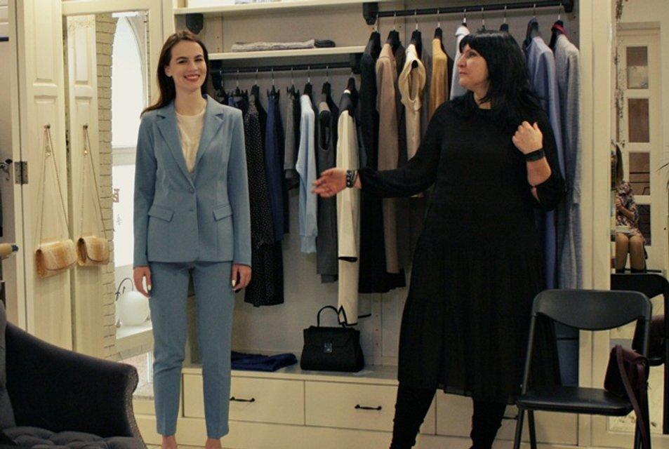 Украинка пошила костюм для Меган Маркл - фото 156003