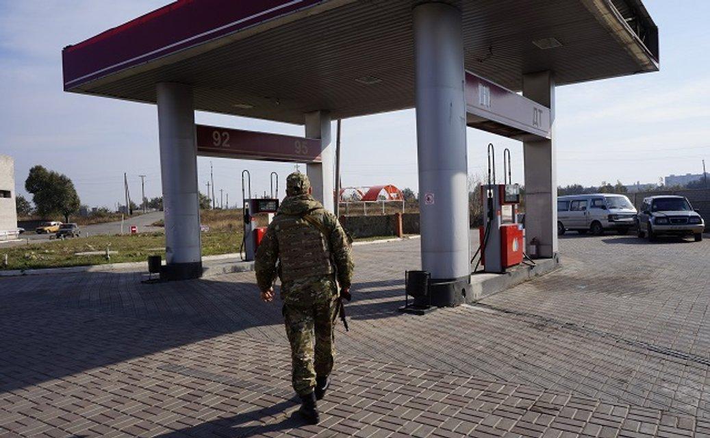 Сотни тонн топлива на сутки: как РФ поставляет дизель и бензин в 'ДНР' и 'ЛНР' - фото 156248