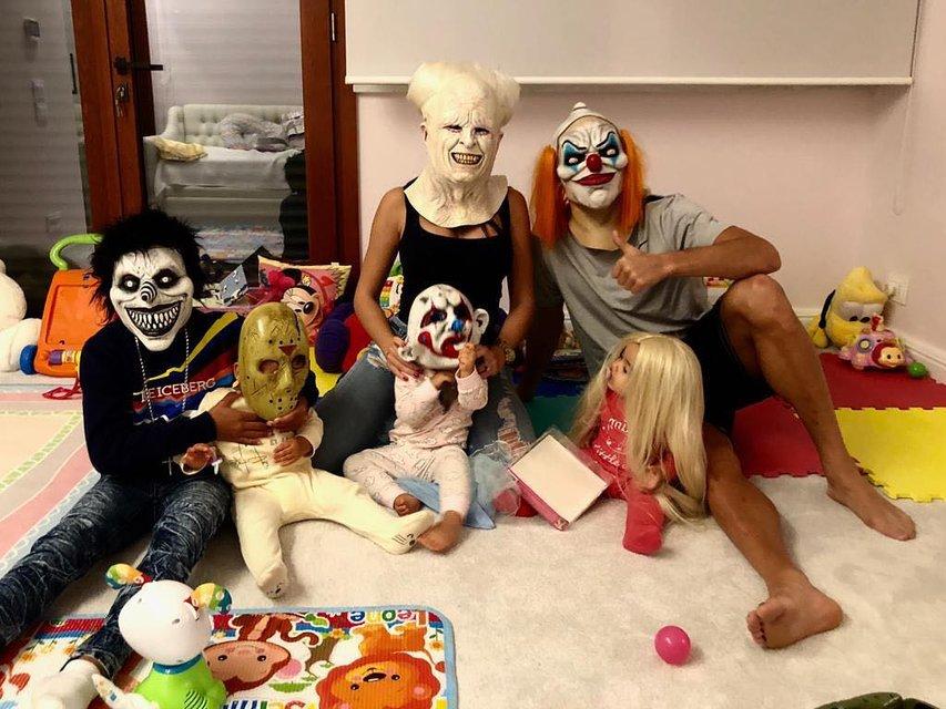 Лучшие костюмы знаменитостей на Хэллоуин 2018 (Фото) - фото 156341