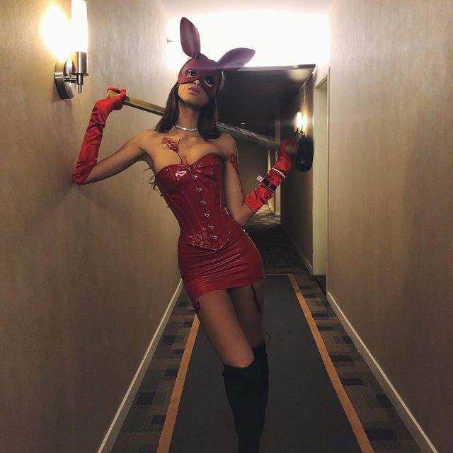 Лучшие костюмы знаменитостей на Хэллоуин 2018 (Фото) - фото 156439