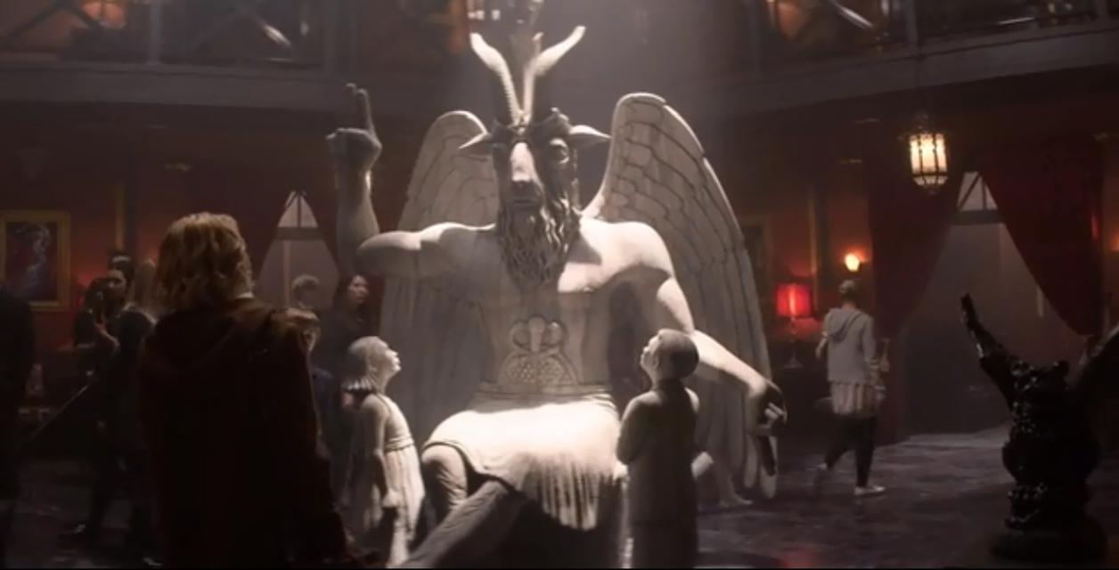 Сатанинский храм обвинил в плагиате Леденящие душу приключения Сабрины - фото 156658