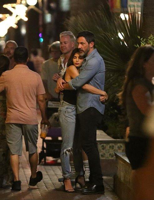 Экс-супругу Ченнинга Татума застали за поцелуями с новым избранником - фото 157302