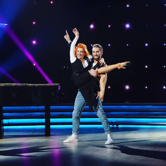 Танці з зірками 2018 12 выпуск онлайн: грандиозный четвертьфинал под пение звезд Украины - фото 158516