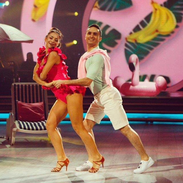 Танці з зірками 2018 12 выпуск онлайн: грандиозный четвертьфинал под пение звезд Украины - фото 158521