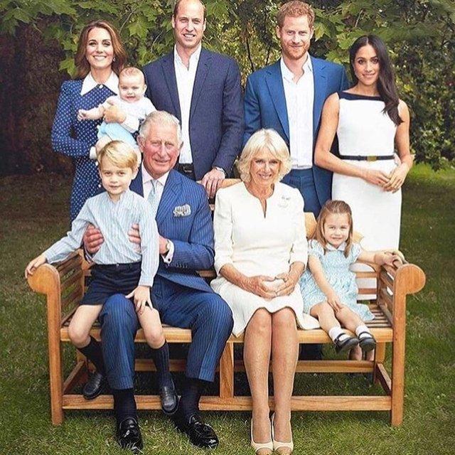 Королевская семья снялась в новой фотосессии - фото 158975