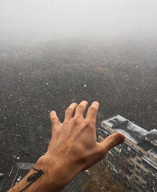 Киев накрыло первым снегом - фото 158980