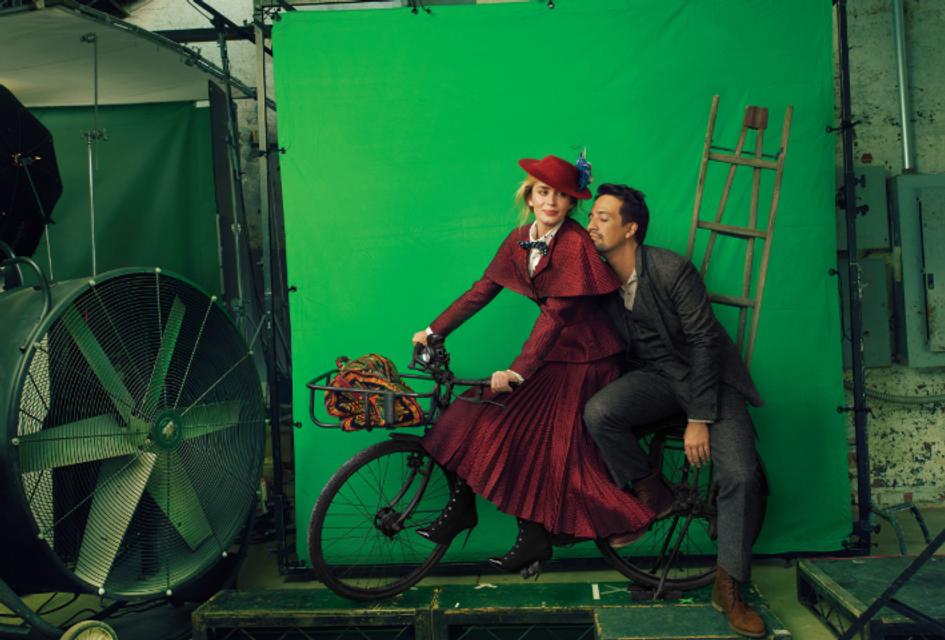 В образе Мэри Поппинс: Эмили Блант снялась в необычной фотосессии - фото 159331