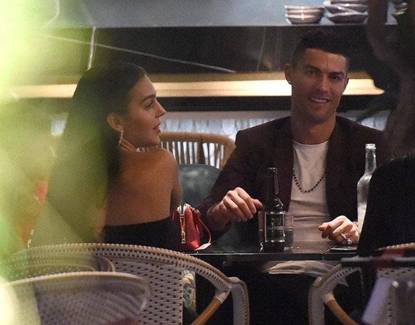 СМИ: Криштиану Роналду сделал предложение своей возлюбленной - фото 159438