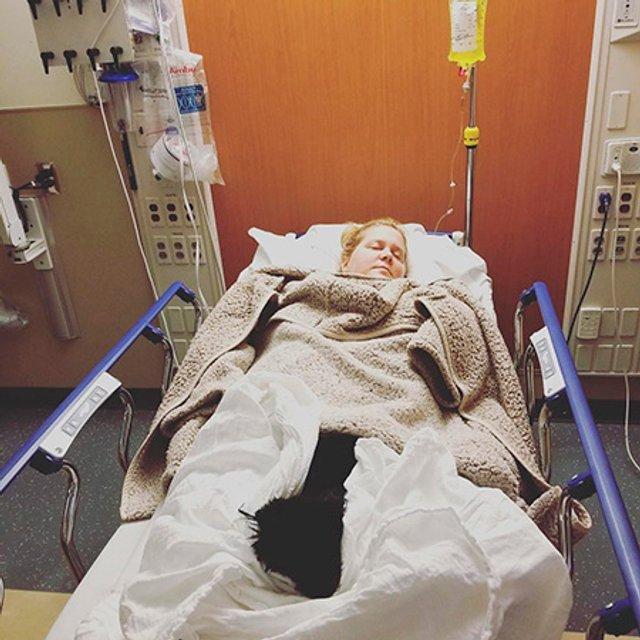 Беременная звезда 'Красотки на всю голову' попала в больницу - фото 159456