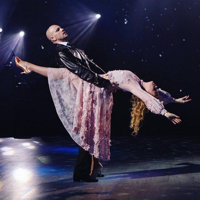 Танці з зірками 2018 13 выпуск онлайн: полуфинал с экс-участниками - фото 159813